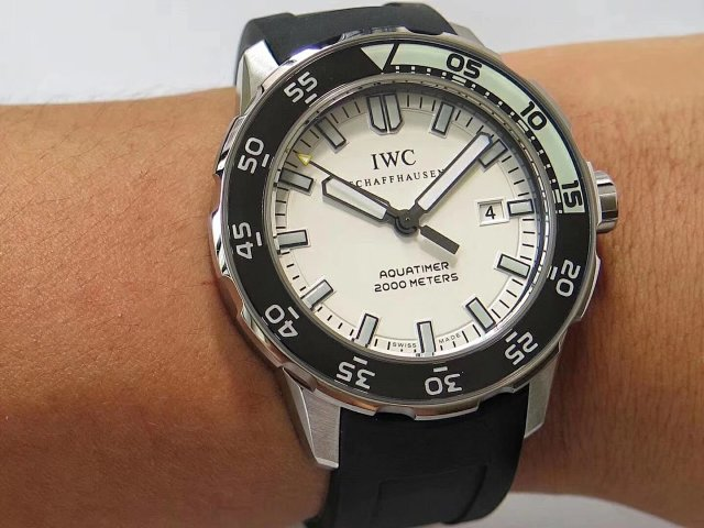 IWS Factory Replica IWC Aquatimer 2000 with Asia ETA 2892 Movement Rubber Strap