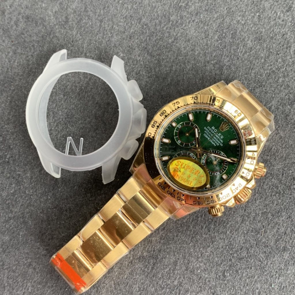 Noob Factory Replica Rolex Daytona Yellow Gold Green Dial with Super Clone 4130 Movement