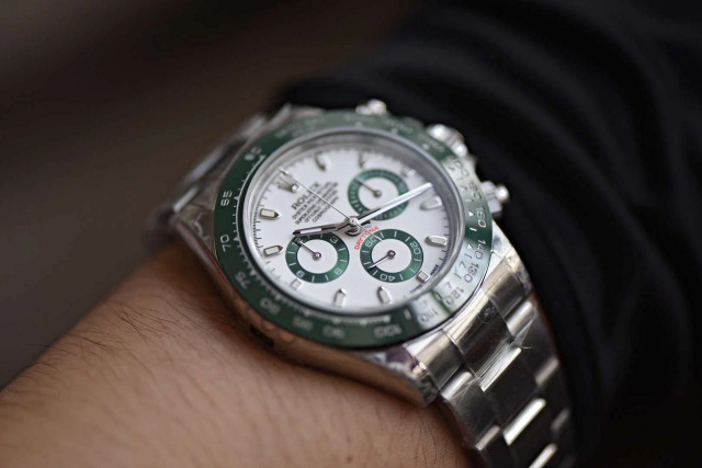 BL Factory Replica Rolex Daytona 116520LV – Green Lizard in the Rain Forest