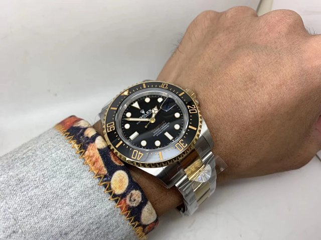 Rolex Sea-Dweller 126603 Wrist Shot